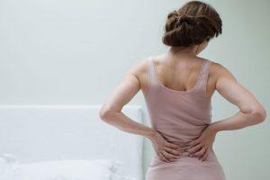 15 عادت روزانه که به ستون فقرات شما آسیب می زند