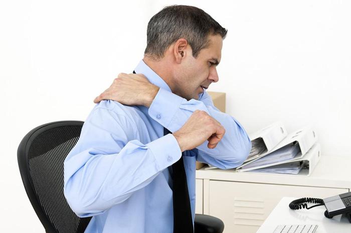 4 حرکت ورزشی برای بهبود درد عضلات چرخاننده شانه