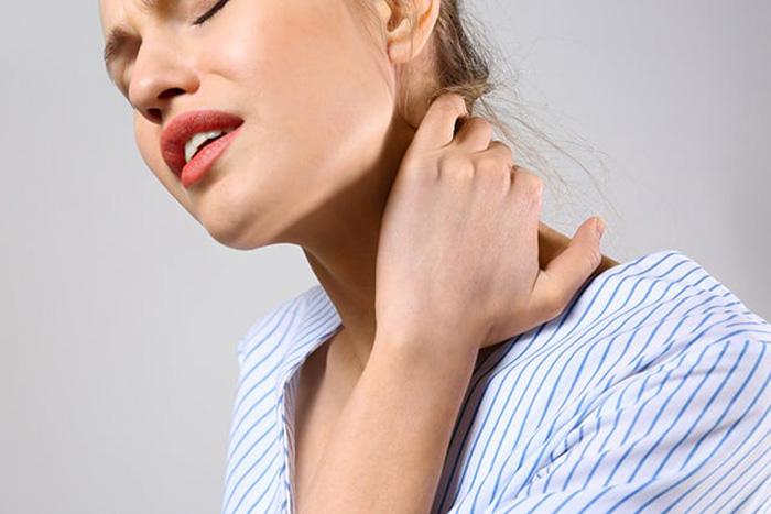 گردن درد، علایم، علل و درمان
