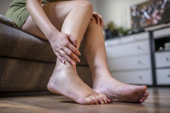 تورم در پا و مچ پا