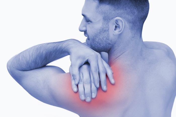 درد استخوان شانه: 8 دلیل و درمان
