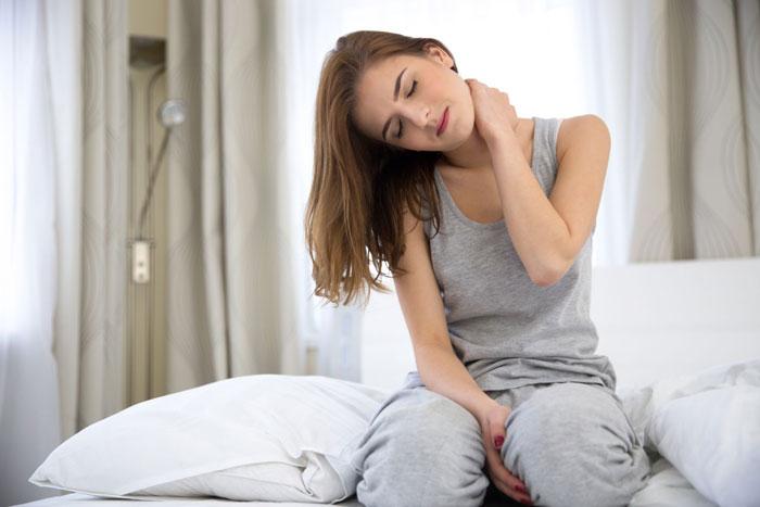 10 درمان خانگی گردن درد