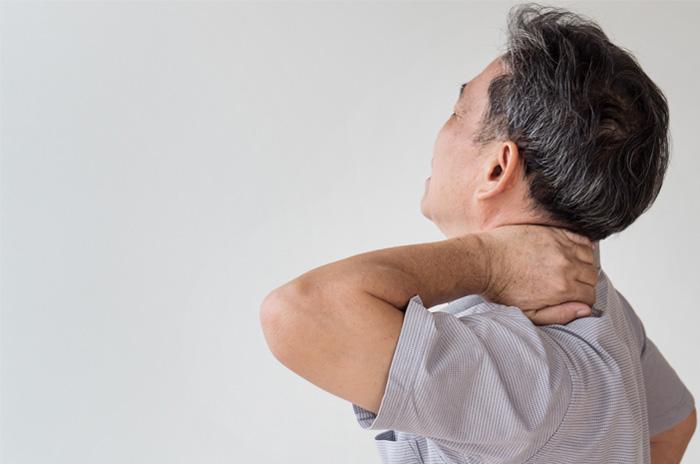 گردن درد، علائم، علل و درمان